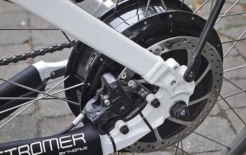 Der kräftige, getriebelose Motor sitzt im Hinterrad.