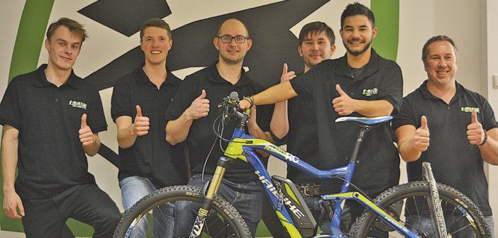 Guido Kasten (r.) mit seinen fünf Mitarbeitern.